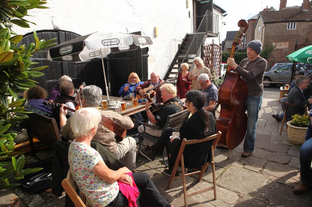 Bromyard Folk Festival by Malcolm Locker